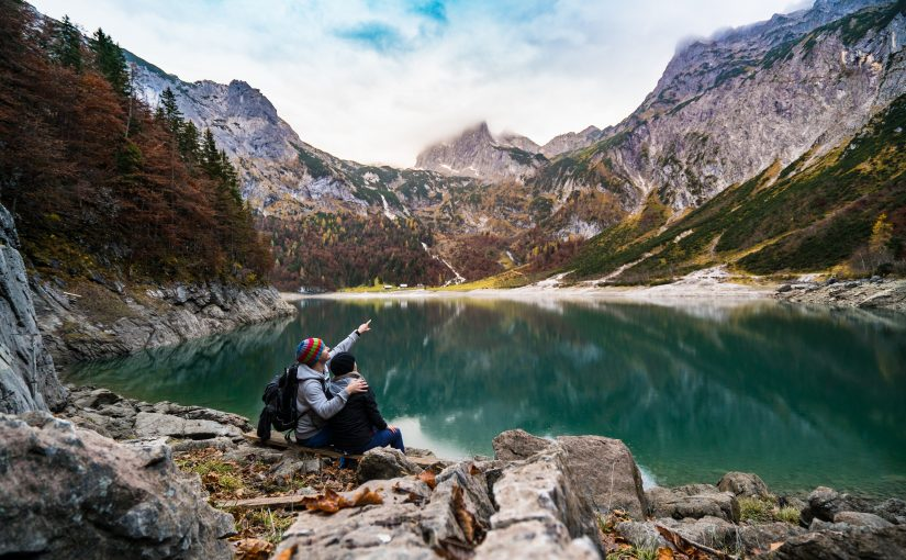 6 Travel Experiences for Introverted Dating Couples